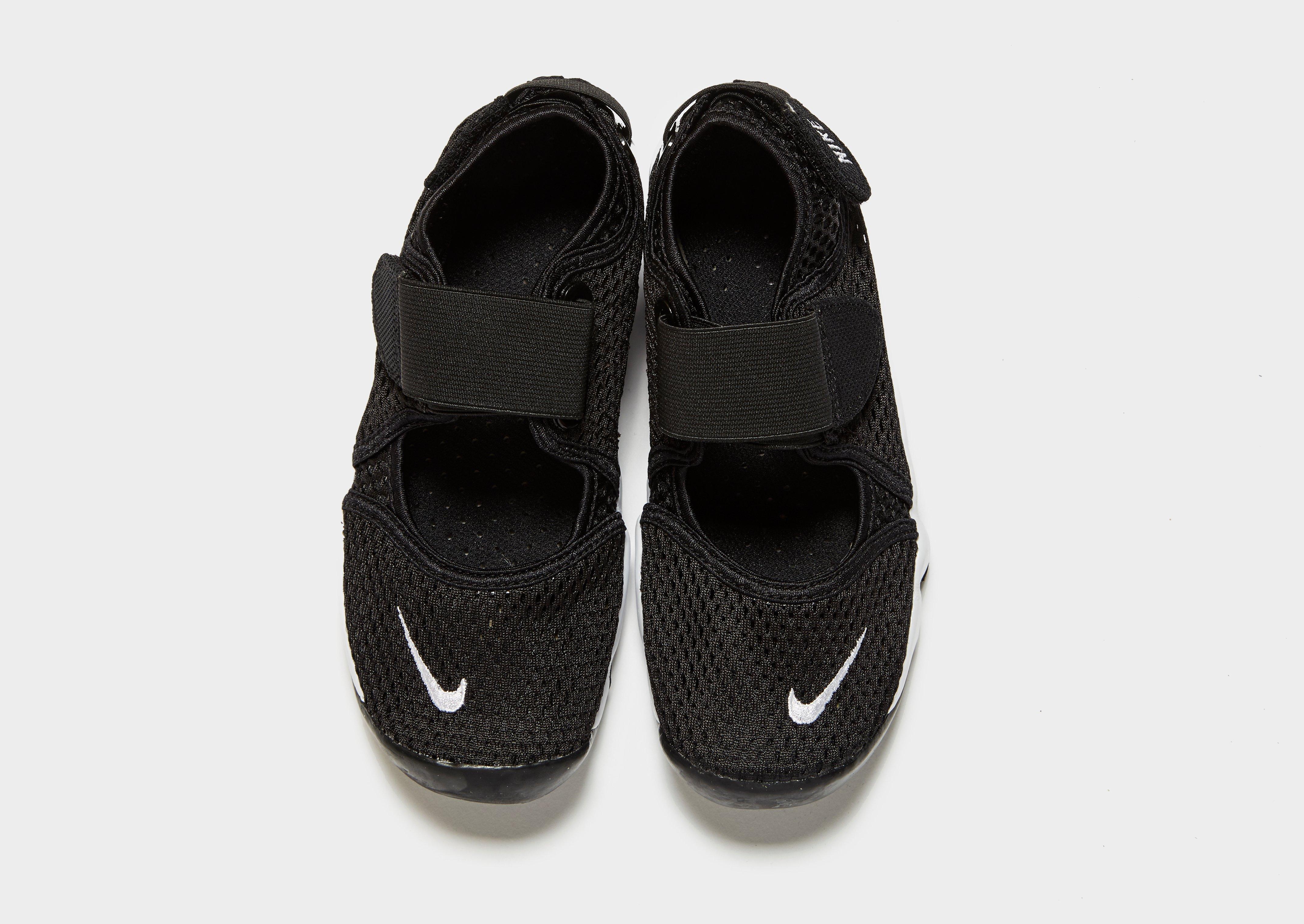 best sneakers e55e7 d017c ... vous vivez ou le style de maison que vous avez, tous les tapis  finissent par se salir et doivent être nettoyés. Une des options que vous  avez pour les ...