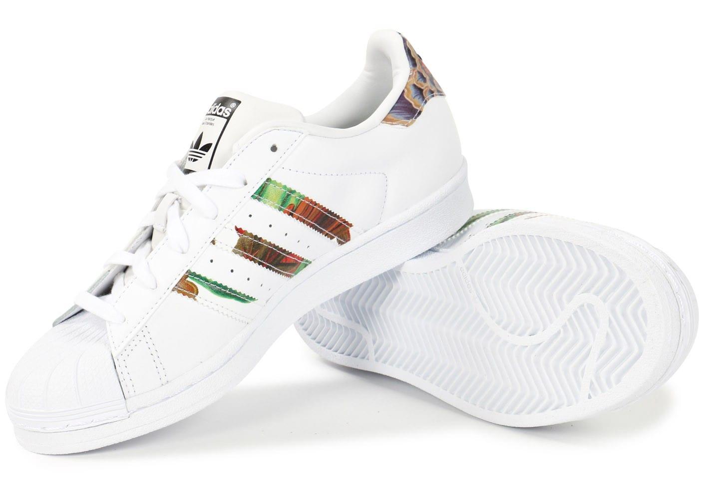 Économiser L De Fille dédié Groupe Adidas À Superstar