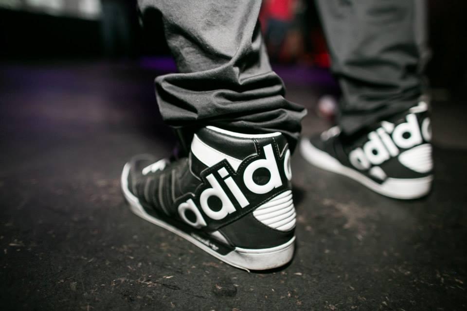 Promotion Adidas Locker Groupe Économiser De Montant Foot dédié À 0wXnk8PO