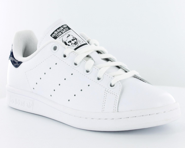 new products f4d3a 89dc1 En ce qui concerne la finition des adidas stan smith femme blanche et bleu  cloisons sèches, la plupart des gens pensent immédiatement aux murs, ...