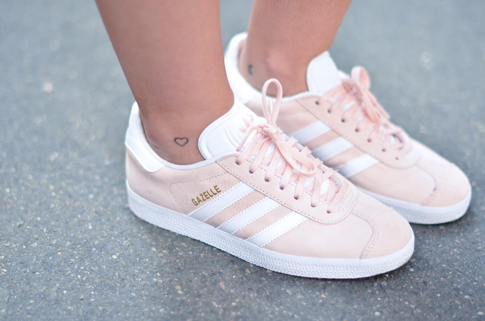 À De Groupe Pastel Économiser Chaussure Rose Promotion Adidas dédié dsQrtCh